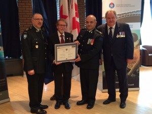 Photo (left to right): LCol St-Denis, Mayor Bill Steinberg, Major Pino Talarico, and Mr Jean Fournier, President of the Canadian Forces Liaison Council, Québec